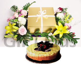 Tripple Chocolate Cheese cake + Flowers Arrangement