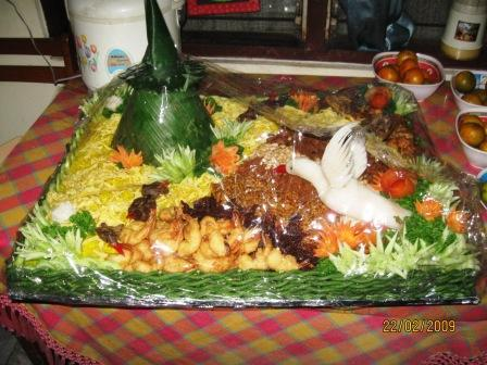 Tumpeng-30 persons