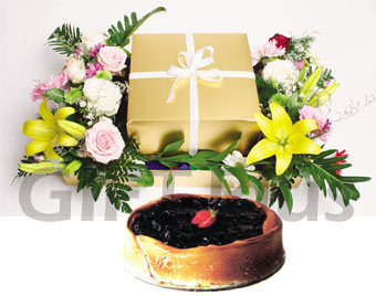 Blueberry Cheese cake + Flowers Arrangement